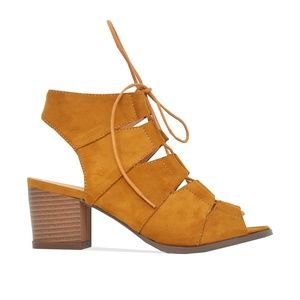 Chase + Chloe Shoes - Tan Women's Sling Back Cut Out Heeled Sandal